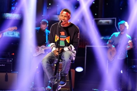 Frank Ocean – Thinkin Bout You + Pyramids (LIVE on Saturday Night Live)